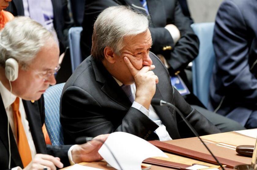 El secretario general de las Naciones Unidas, Antonio Guterres (c), interviene en el Consejo de Seguridad de la ONU. EFE/Archivo