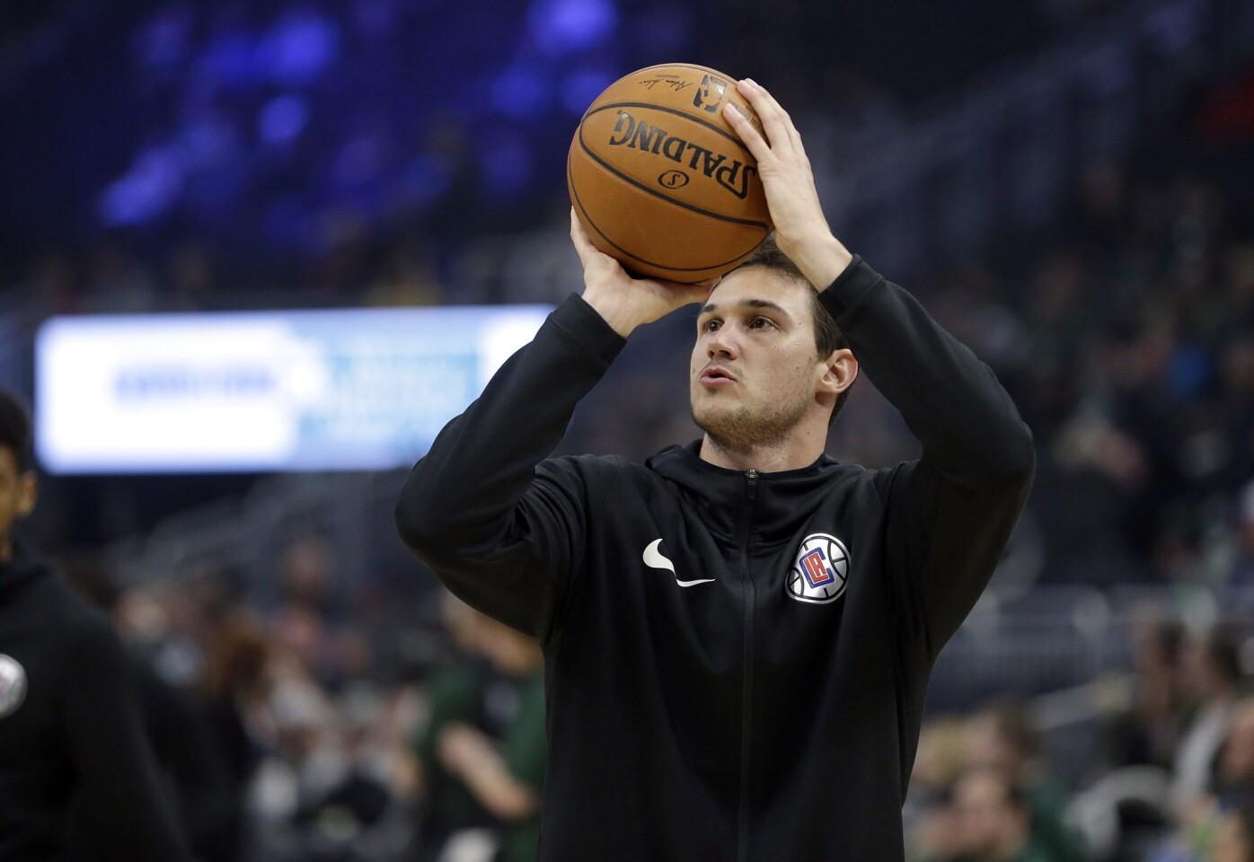APphoto_Clippers Bucks Basketball