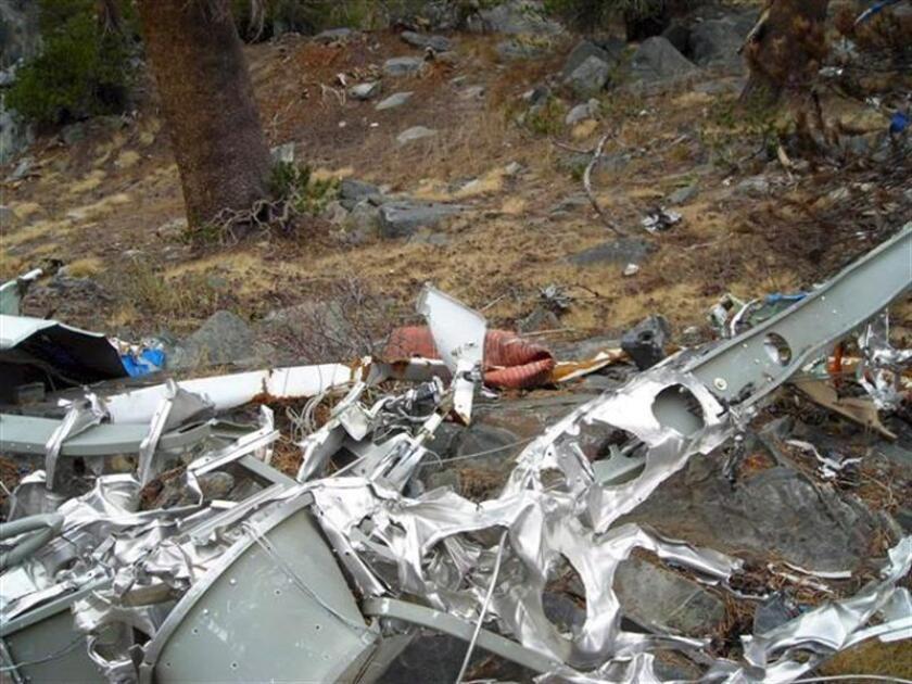 Una avioneta se estrelló hoy en las inmediaciones de un centro comercial en Santa Ana, a las afueras de Los Ángeles (California, EE.UU.), dejando al menos 5 fallecidos, según informaron las autoridades del condado. EFE/EPA/ARCHIVO/SOLO USO EDITORIAL