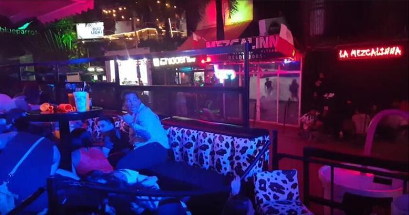 La familia de Alejandra Villanueva Ibarra, la estadounidense fallecida en el tiroteo registrado en la madrugada de este lunes en una discoteca de Playa del Carmen (México) que dejó 5 muertos, pidió ayuda para costear los gastos de repatriación del cadáver y los funerales de la joven. EFE/SOLO USO EDITORIAL