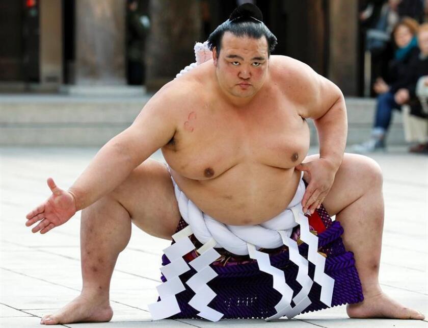 """El campéon Kisenosato debutó en el sumo profesional en marzo de 2002, y dos años después alcanzó la competición """"makuuchi"""", primera categoría de este deporte. EFE/Archivo"""
