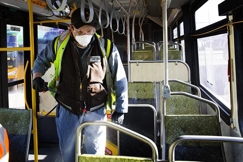 La ville de Seattle désinfecte et nettoie les espaces publics alors que 6 décès dans la région résultent d'un coronavirus