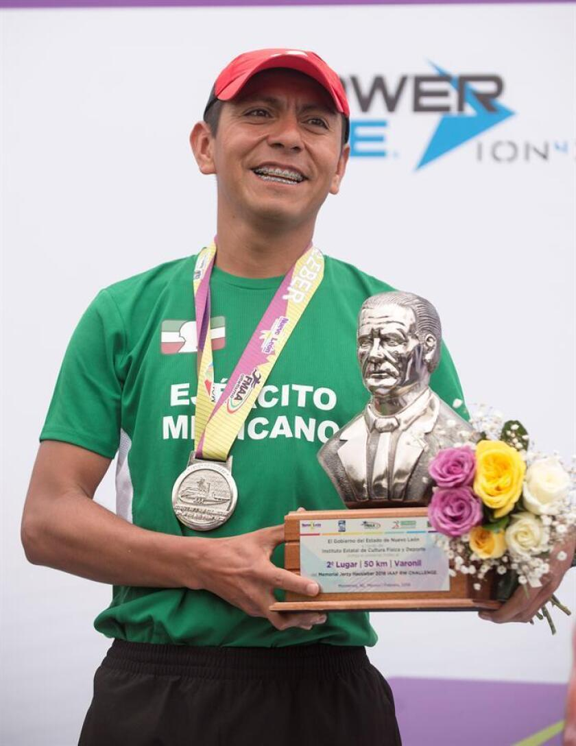 En la imagen, el atleta mexicano José Leyver Ojeda. EFE/Archivo