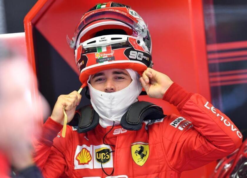 Leclerc lidera unos Libres 1 sobre mojado con accidente de Pérez