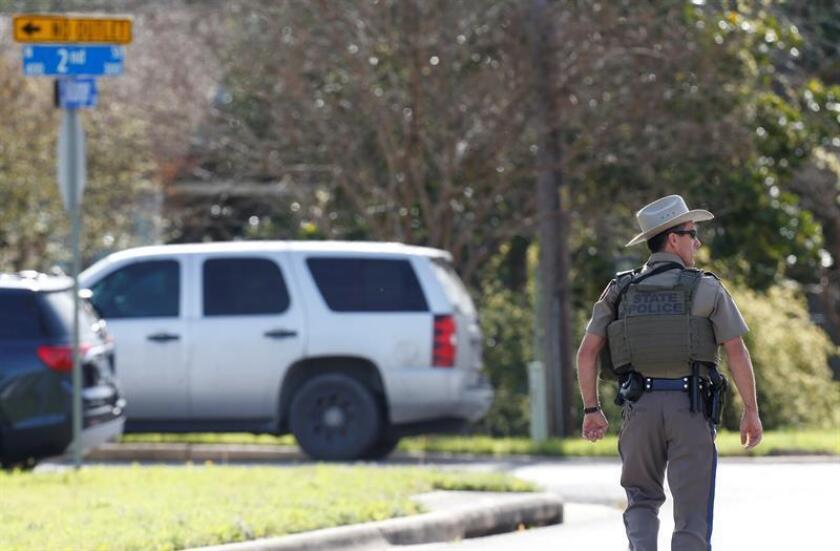 La Policía de San Antonio (Texas) confirmó hoy que uno de sus agentes acabó con la vida de un joven afroamericano, de 18 años, al que disparó tras responder a un aviso por asalto en un barrio residencial de la ciudad. EFE/Archivo