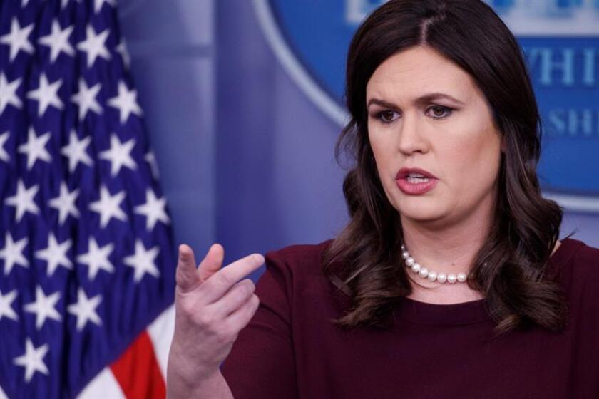 La portavoz de la Casa Blanca, Sarah Huckabee Sanders, ofrece una rueda de prensa en la Casa Blanca, Washington D.C (Estados Unidos). EFE/Archivo