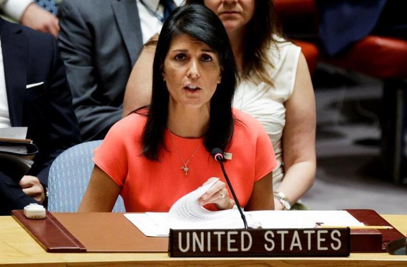 En un mensaje remitido este martes a otras misiones, la embajadora de Estados Unidos ante Naciones Unidas, Nikki Haley, da a entender que puede haber consecuencias para quienes respalden la resolución crítica contra el movimiento, que se espera sea aprobada con una abrumadora mayoría. EFE/EPA/ARCHIVO