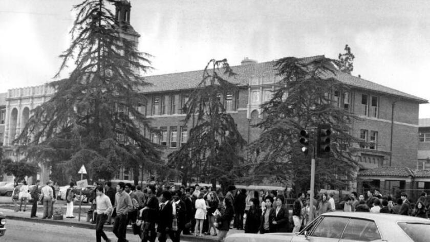 Alexander Hamilton High School, en 1970.