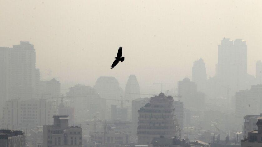 TOPSHOTS-IRAN-POLLUTION-HEALTH-ENVIRONMENT