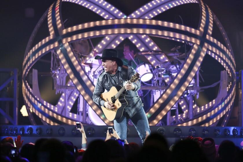 Garth Brooks performs in Rosemont, Ill.