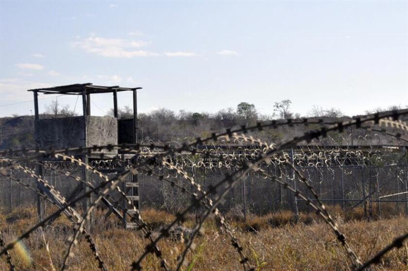 """La Comisión Interamericana de Derechos Humanos (CIDH) condenó hoy la decisión del Gobierno de Estados Unidos de mantener abierta la prisión de Guantánamo y volvió a pedir el cierre """"inmediato"""" de sus instalaciones. EFE/Archivo"""