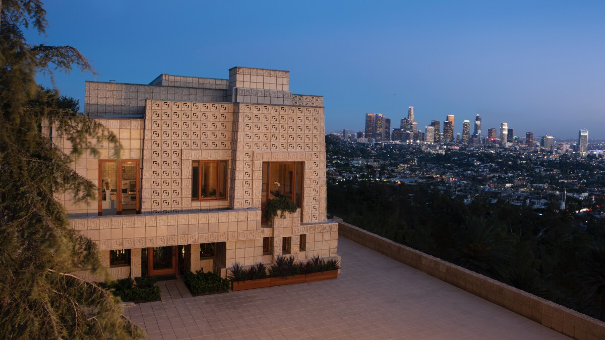 Frank Lloyd Wright S Iconic Ennis House Sells For 18 Million Los Angeles Times