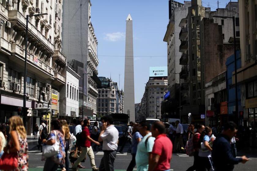 Fotografía del Obelisco, uno de los lugares mas visitados por los turistas, en Buenos Aires (Argentina). EFE/Archivo