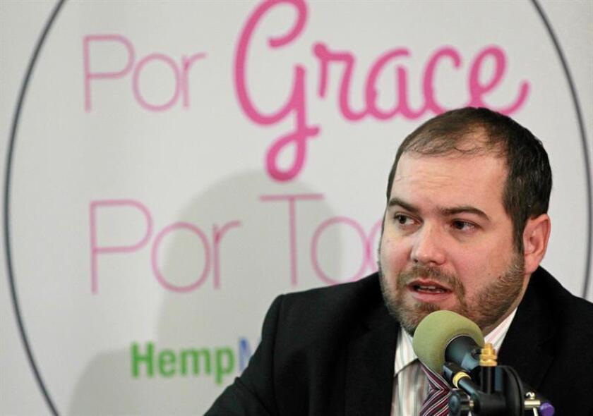 Padre de niña mexicana epiléptica defenderá ante OMS ventajas del cannabidiol