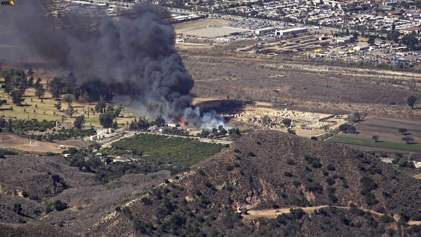 Ventura County firefighters quickly confined a small brush fire near a golf course in Santa Paula af