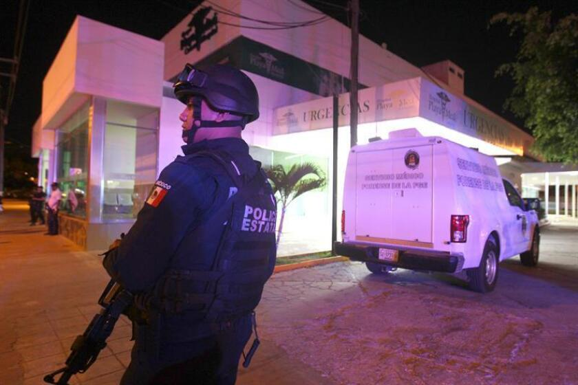 Vista general del sitio donde un comando armado ingresó hoy, 4 de marzo de 2018en un hospital privado de Cancún (México) para asesinar allí a un detenido y a su esposa, que se encontraba de visita, informó el director del reclusorio de la ciudad, Jorge Adrián López Valenzuela. EFE