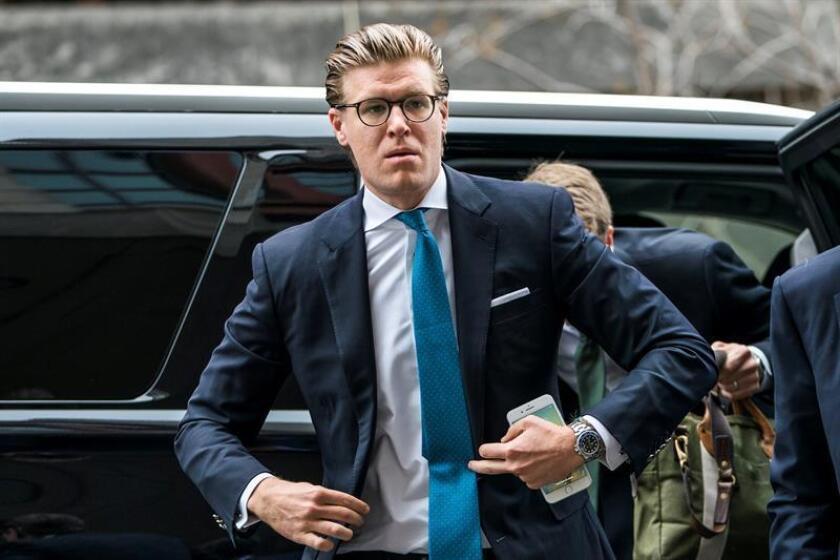 El abogado Alex Van Der Zwaan, quien mintió al FBI sobre sus contactos con la campaña del presidente estadounidense, Donald Trump, antes de recibir sentencia de la corte del Distrito de Columbia, en Washington DC (Estados Unidos). EFE/Archivo