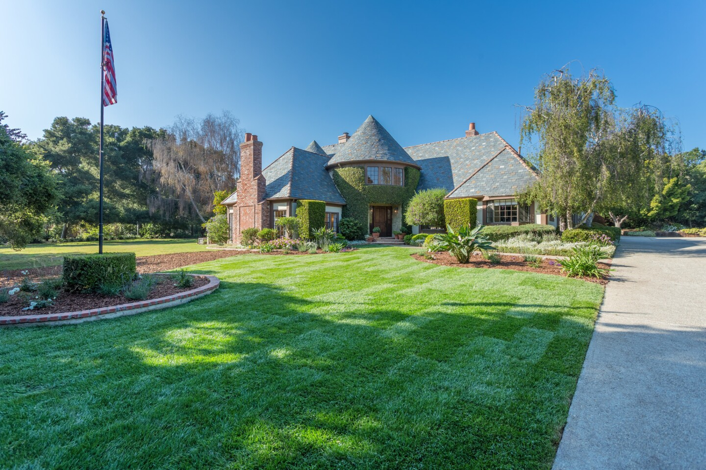 Home of the Day: Storybook romance in Santa Barbara's Hope Ranch