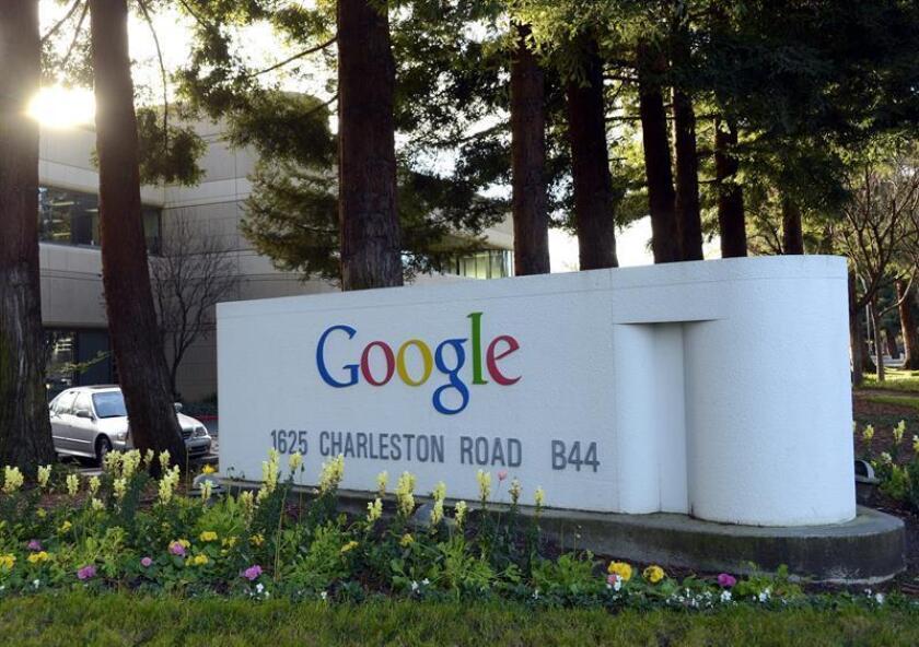 Fotografía que muestra el logotipo de Google en las oficinas de la compañía en Mountain View (Estados Unidos). EFE/Archivo