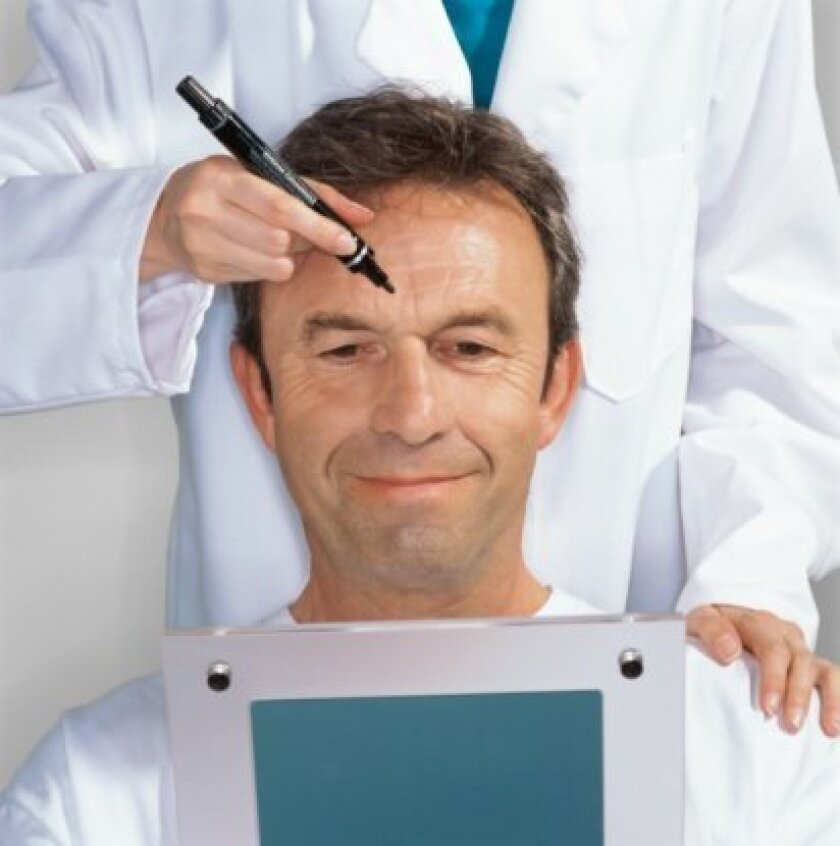 Relaxed social stigma and economic necessity have boosted the number of male plastic surgery patients in recent years.