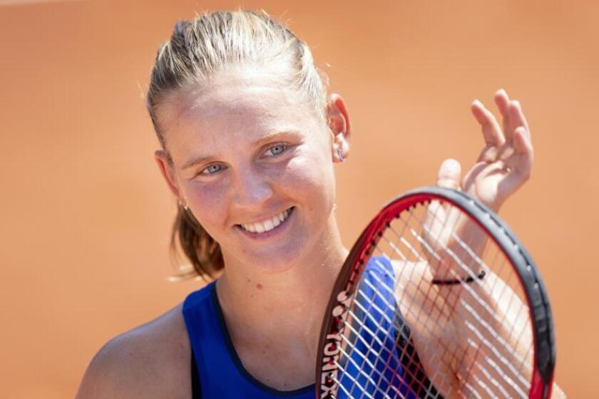 La tenista Fiona Ferro tras ganar su partido. EFE/EPA/Laurent Gillieron