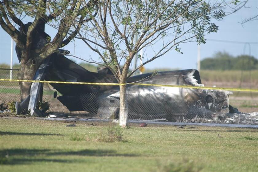 Una avioneta se estrelló este sábado contra un centro de terapia para niños autistas en Fort Lauderdale, en el sur de Florida, y ocasionó la muerte de los dos ocupantes de la nave y un incendio en el inmueble. EFE/Archivo