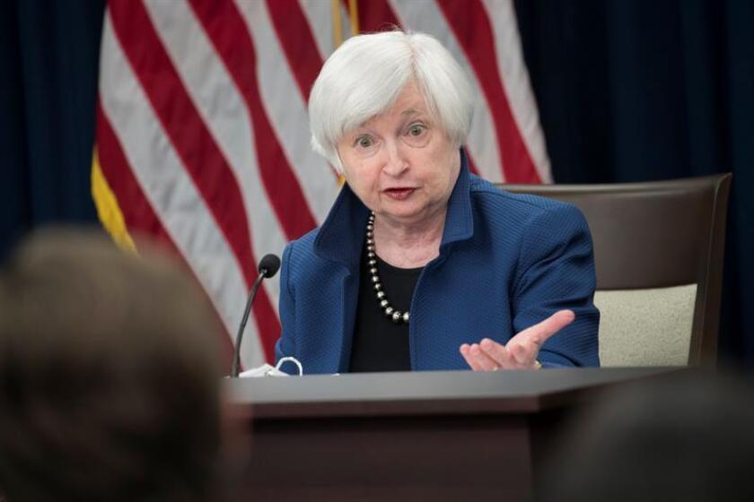 """""""El mero número de gente que ha experimentado un episodio de acoso o discriminación es alto de manera inaceptable. Esto confirma que hay un problema significativo que requiere ser encarado con contundencia"""", explicó la presidenta de AEA, Janet Yellen, exjefa de la Reserva Federal (Fed). EFE/Archivo"""