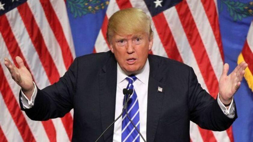 """""""Si Trump puede demostrar que influyó en una empresa como Ford o GM en cómo hacen negocios en apoyo de su estrategia 'pro crecimiento', tendrá esperanzas de que haya un efecto dominó en otras compañías e industrias y sigan el ejemplo"""", explicó el experto de la firma de análisis Edmunds."""