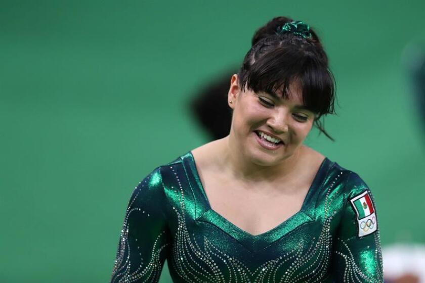 La gimnasta mexicana Alexa Moreno, medalla de bronce en salto en los Campeonatos del Mundo en Doha, afirmó este lunes que ha logrado vencer sus miedos y ahora disfruta al competir con figuras de la talla de la estadounidense Simone Biles. EFE/ARCHIVO