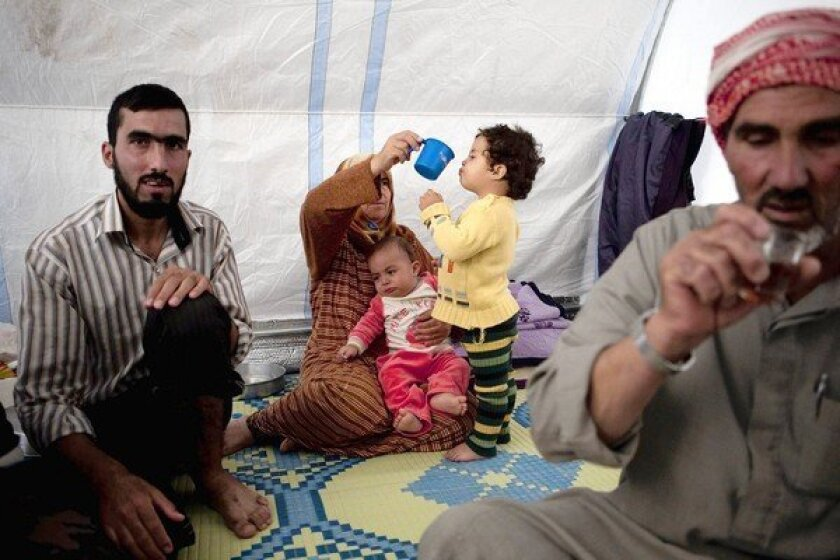 Displaced Syrians desperate for shelter as winter nears