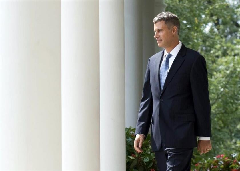 Fotografía de archivo fechada el 29 de agosto de 2011 que muestra a Alan Krueger durante la ceremonia de nombramiento como jefe asesor económico del gobierno de Barack Obama, en la Casa Blanca, en Washington (DC, EE.UU.). EFE