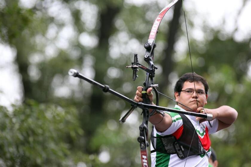En la prueba individual masculina, el ganador fue el mexicano Luis Álvarez (en la imagen), quien venció 6-4 al colombiano Daniel Betancur, quien se quedó con la plata. EFE/Archivo