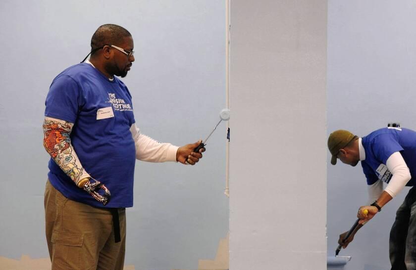 To ease veterans' return to civilian life, program offers purpose