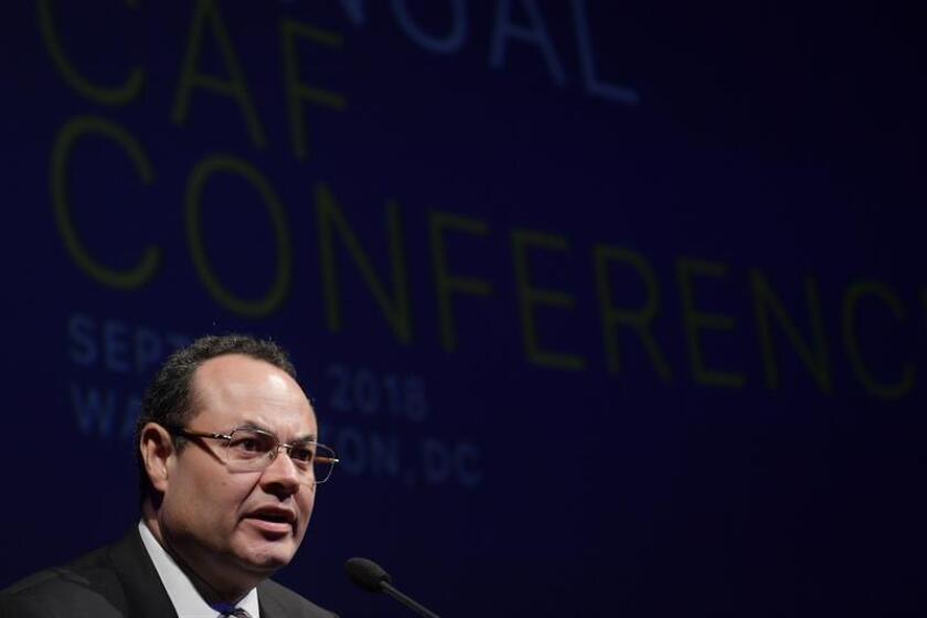 El presidente ejecutivo del Banco de Desarrollo de América Latina (CAF), Luis Carranza, habla durante la inauguración de la vigésimo segunda conferencia anual del Banco de Desarrollo de América Latina (CAF) hoy, miércoles 5 de septiembre de 2018, en la sede del Museo de las Noticias (Newseum) en Washington (EE.UU.). EFE