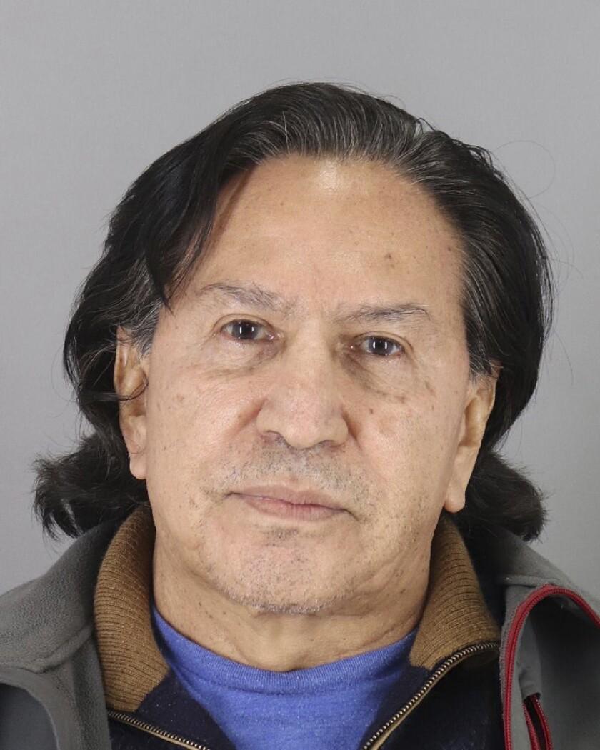 ARCHIVO - Esta fotografía de fichaje publicada el lunes 18 de marzo de 2019 por el Departamento de Policía del condado San Mateo muestra al expresidente peruano Alejandro Toledo tras ser arrestado por sospechas de ebriedad en público. (Departamento de Policía del condado San Mateo vía AP, archivo)