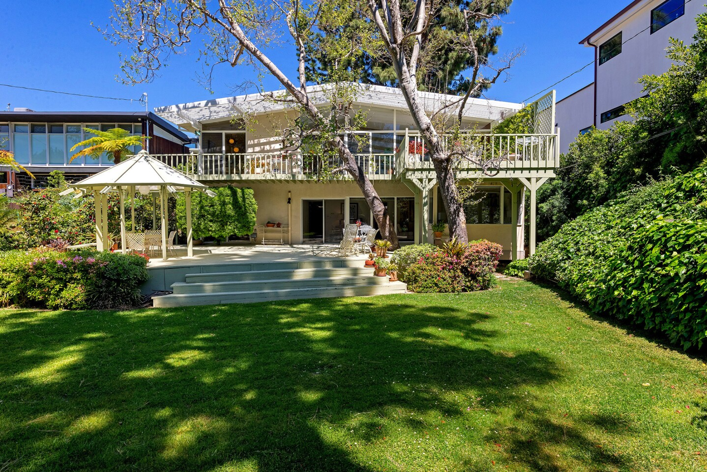 Hot Property   The Pitch: Best of Brentwood   Sunset Blvd.