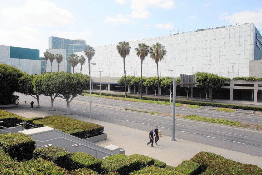 L.A. officials are considering building a 1,000-room hotel on a site adjacent to the Convention Center.