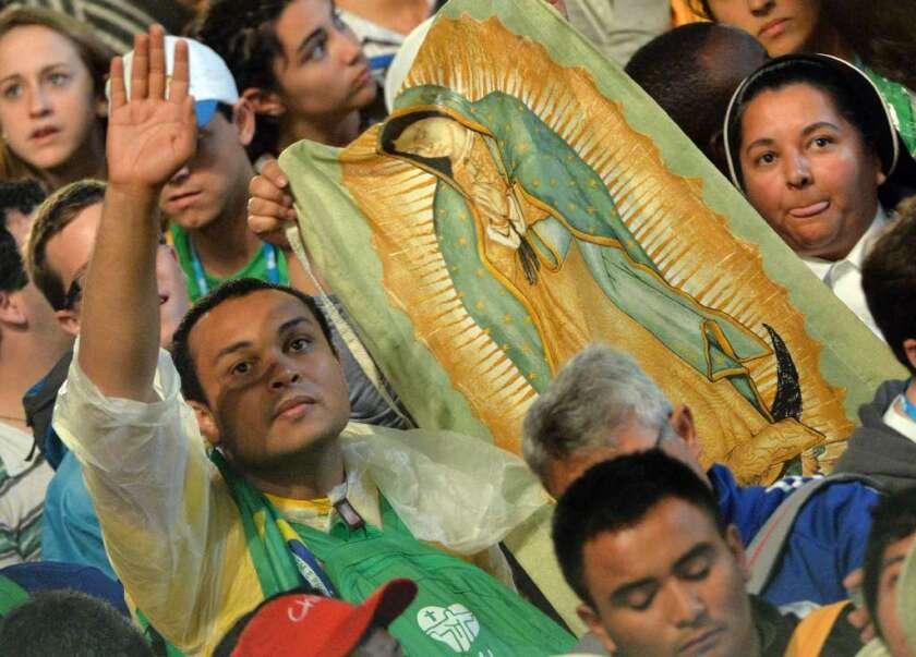 Jóvenes  ya no creen en Dios y se alejan del catolicismo: 'Es la señal de final de los tiempos'