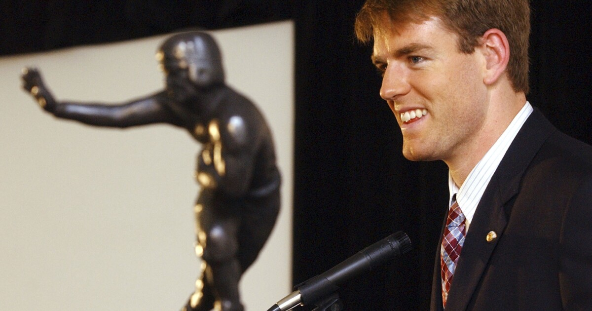 Column: Before his days in the NFL, Carson Palmer did not want to win Heisman Trophy