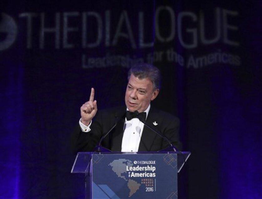 El presidente de Colombia, Juan Manuel Santos, participará el sábado como invitado en la XXIV Cumbre del Foro de Cooperación Económica Asia Pacífico (APEC), en Lima, en donde sostendrá reuniones bilaterales con el primer ministro de Japón, Shinzo Abe, y el presidente de China, Xi Jinping.