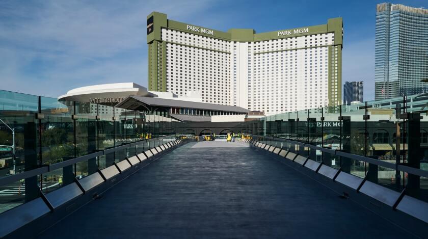 """El Strip de Las Vegas """"satisfecho ="""" 840 """"pico ="""" 469 """"/>   <div class="""