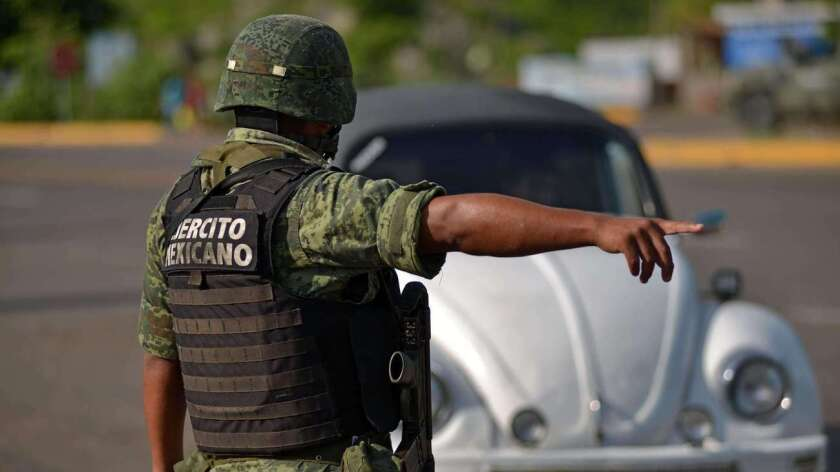 La prensa local cree que se trata de un conflicto entre los hombres de Guzmán Loera y la organización de los hermanos Beltrán Leyva que quiere entrar en la región, pero las autoridades locales no descartan otra opción: que sea una lucha entre facciones contrarias dentro del propio Cártel de Sinaloa.