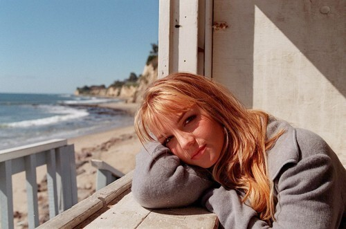 <b>Britney Spears : 17 going on 30?</b>
