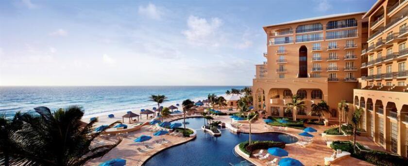 Fotografía del 13 de marzo de 2018, que muestra una vista general del Hotel Ritz-Carlton, en la ciudad de Cancún, en Quintana Roo (México). EFE