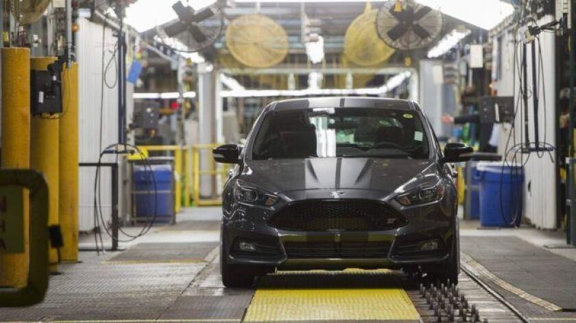 """Ford había adelantado en abril la inversión en una planta en San Luis Potosí, que tenía previsto producir la nueva generación del modelo Focus, que ahora pasará a la fábrica ubicada en el estado de Sonora """"para mejorar la rentabilidad de la compañía"""", explicó la firma."""