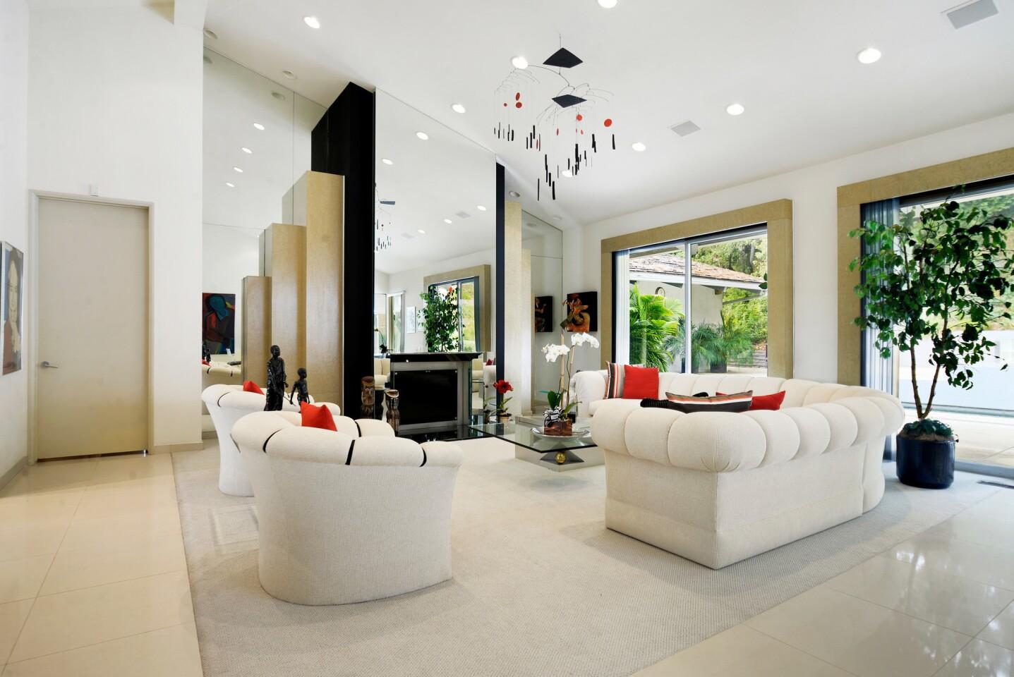 Harold and Lee Kapelovitz's Beverly Hills home | Hot Property