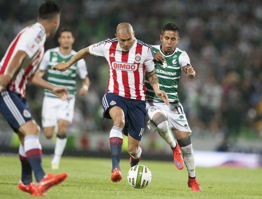 El centrocampista mexicano Jorge Enríquez se convirtió hoy en nuevo jugador del Santos Laguna de cara al torneo Clausura 2017 que comenzará en enero próximo, informó hoy la directiva del equipo. EFE/ARCHIVO