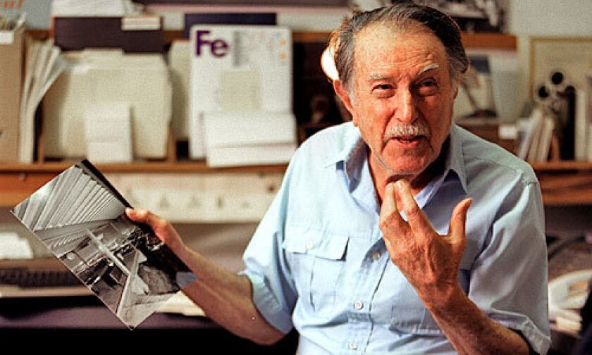Julius Shulman dies at 98