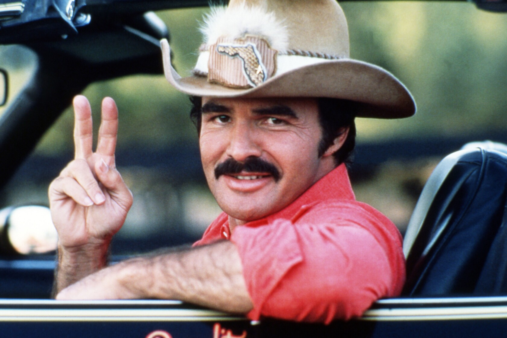 Muere a los 82 años Burt Reynolds, la sagaz estrella de 'Smokey ...