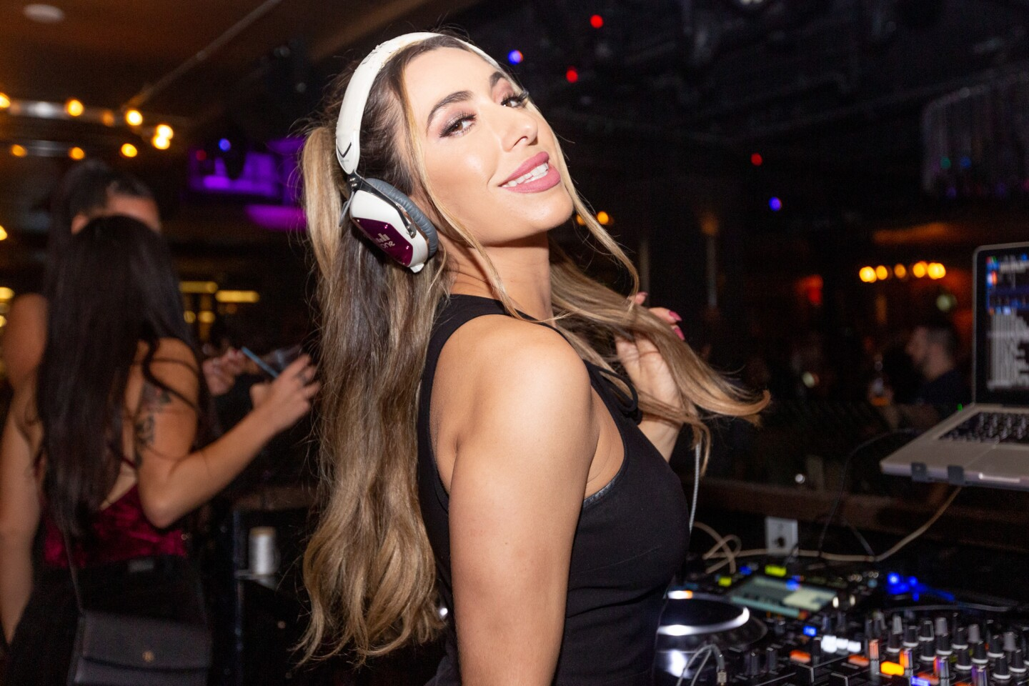 The most socially influential in San Diego gathered for Double Tap at Oxford Social Club with beats by DJ Ayla Simone on Thursday, Nov. 15, 2018.